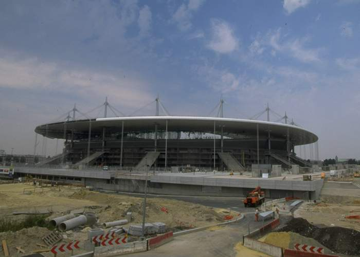 Construction work on the Stade de France took 31 months to complete
