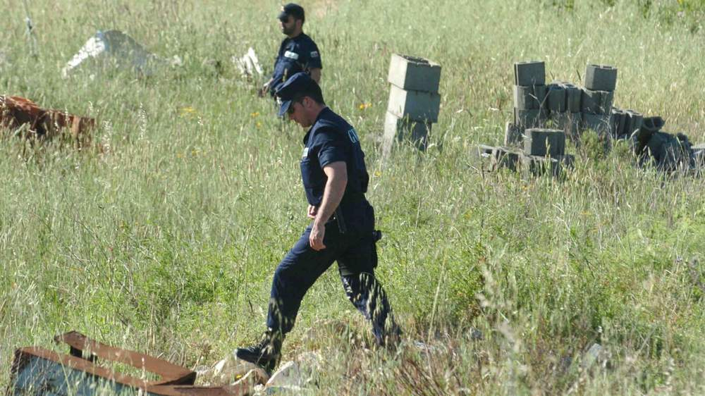 Portuguese police search wasteland in Luz in 2007