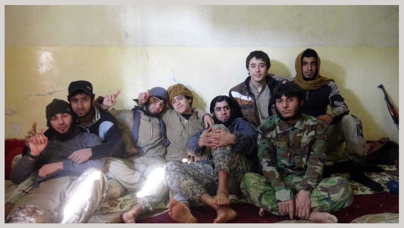 پنجرهای به خلوت جنگجویان جوان داعش - bbc persian